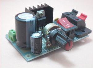 kit-para-montar-montagem-fonte-ajustável-regulável-bancada-llm317-2n5551-propagação-aberta-2-300x220