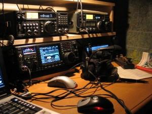 NX1Z_Radio-300x225